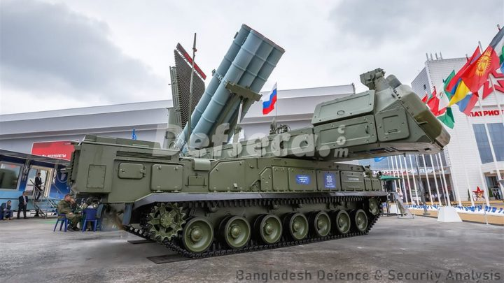 Defence officials inspect Buk-M3 air defence systems